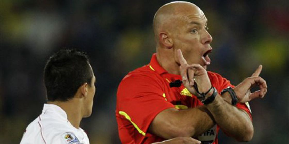 Es horrible cuando me equivoco: Howard Webb