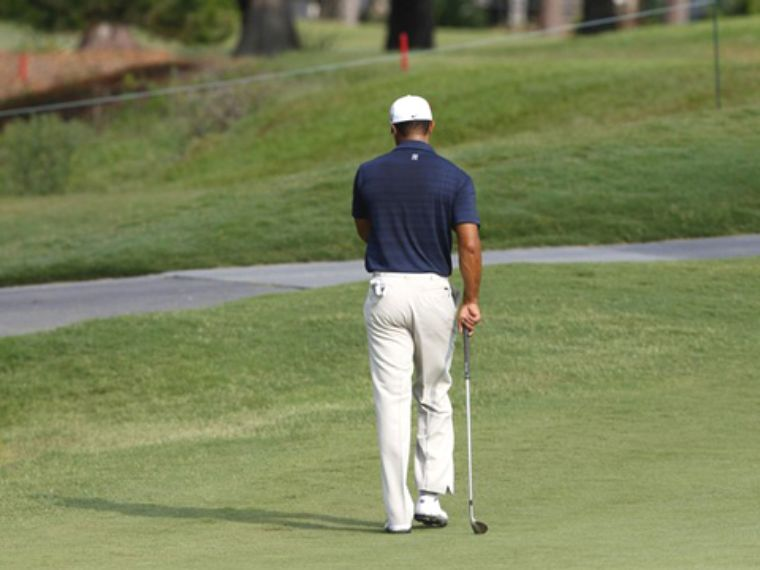 Tiger Woods abandona el Players Championship