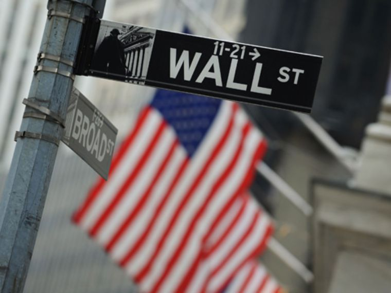Wall Street cae arrastrado por corporativas