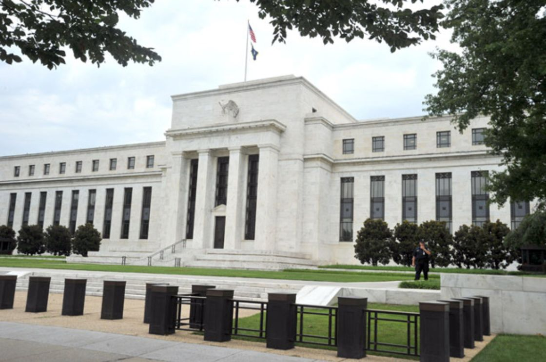 Fed revive advertencia contra inflación