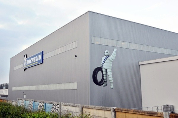 Ganancias de Michelin caen 24% en 2013