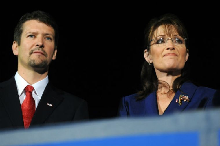 Sarah Palin cancela evento a favor de Trump por accidente de su esposo