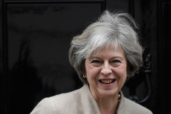 Theresa May prepara plan sobre Brexit