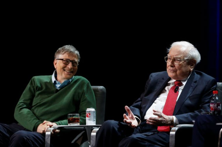 Buffett y Gates, mantienen optimismo en EU, pese a Trump