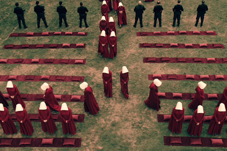 'The Handmaid's Tale' es un episodio distópico y oportuno