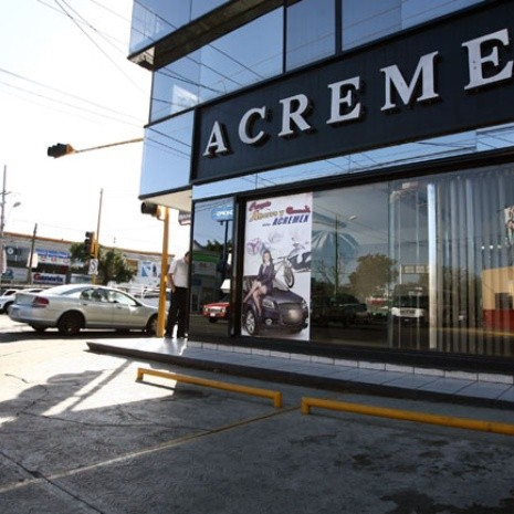 HR Ratings alerta de sobreendeudamiento en microcréditos