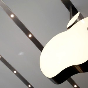 Apple pierde la marca del billón de dólares
