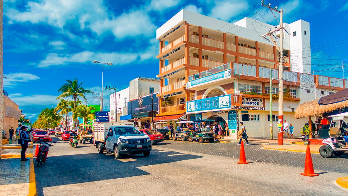 Fitch Ratings mejora perspectiva crediticia de Cancún